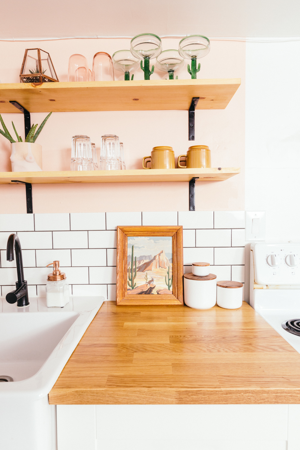 10 Kitchen And Home Decor Items Every 20 Something Needs: DIY Basement Apartment Kitchen Renovation